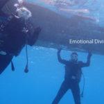 石垣島の海底にて、体験ダイビング。
